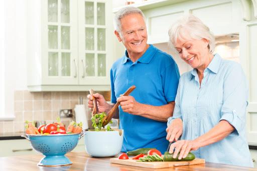 7 витаминов, которые нужно принимать в пожилом возрасте