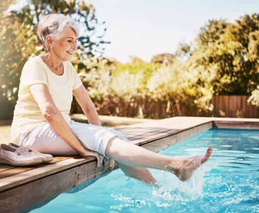 Как помочь пожилому человеку перенести жару